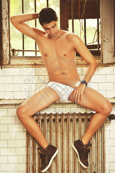 attivo gay escort top roma